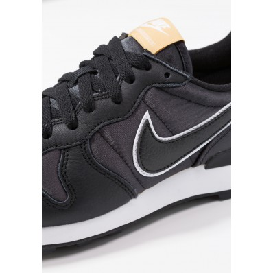 nike internationalist heat sneakers zwart