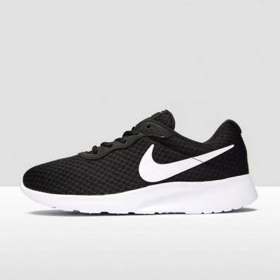 nike schoenen zwart tanjun