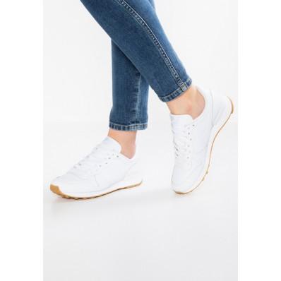 witte nike sneakers dames laag